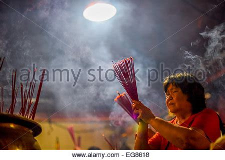 new year in indonesia 2015 a praying on new year at jin de yuan temple