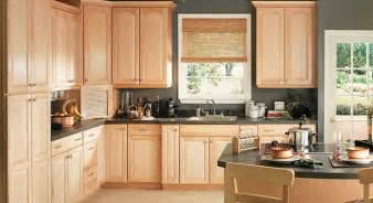 what color to paint kitchen with light wood cabinets