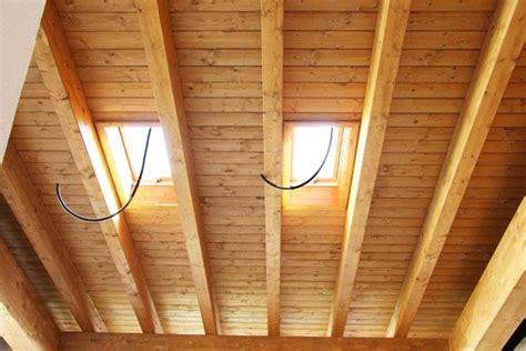 soffitti in legno lamellare travi in legno per tetti scelta travi la scelta delle