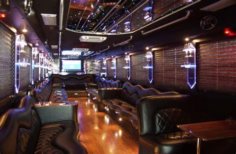 Limo Bus Montreal Limousine. Montreal Coach Limobus