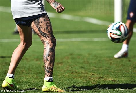 raul meireles top 20 tattooed footballers sport raul meireles shows off his crazy full length leg tattoo
