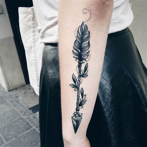 black arrow tattoo 3d black arrow on forearm truetattoos