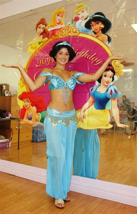 princess themed party entertainers jasmine princess party toronto fairyland theatre kids