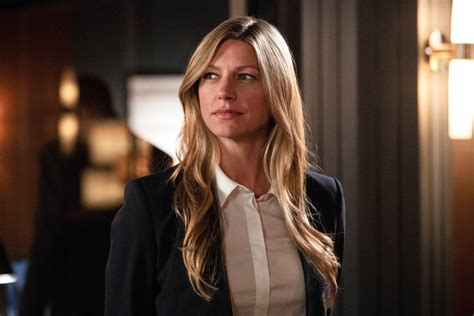 jes macallan legends of tomorrow legends of tomorrow the waverider heads to salem in new