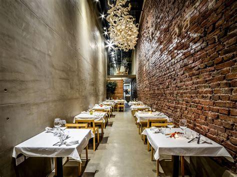 narrow alley transformed cozy restaurant el papagayo idesignarch interior design architecture interior decorating emagazine