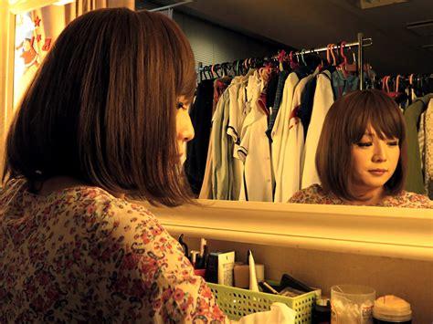 hair chat room at shinjuku club cross dressing let their hair guard the japan times
