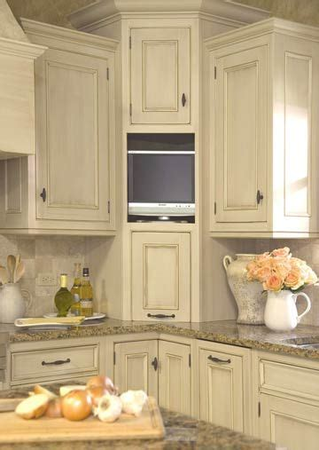 Kitchen Cabinet Tv by Best 25 Corner Cabinet Solutions Ideas On