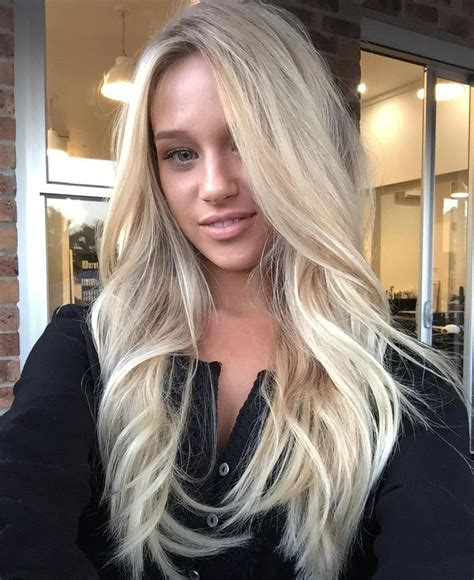 beautiful brunette hair with platinum highlights pictures hot trebd 2015 25 best ideas about long blonde haircuts on pinterest