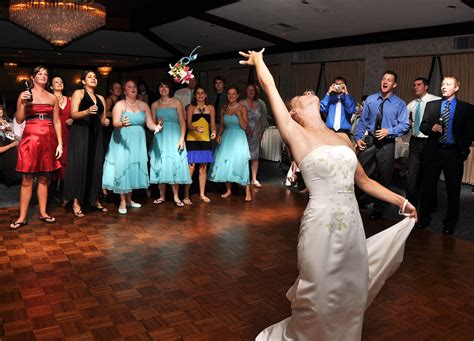 wedding bouquet toss top 50 most requested bouquet toss songs carpenito