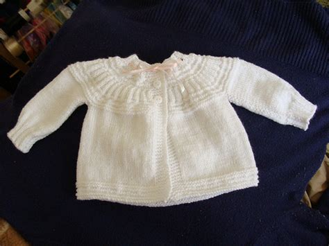 batita de bebe en dos agujas ropon de beb 233 tejido a dos agujas imagui