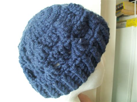 how to attach yarn to a crocheted beanie so it looks like hair crochet hat pattern using chunky yarn manet for