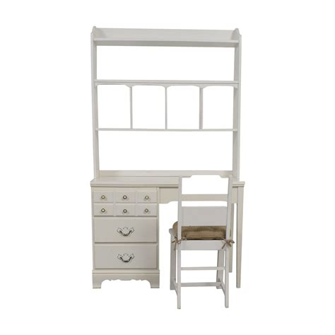 55 Off Lea Lea White Wood Three Drawer Desk With Hutch White Wood Desk With Hutch