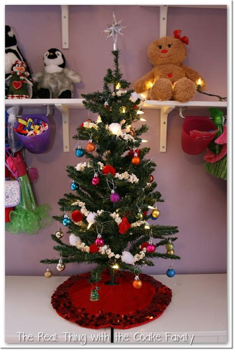 decoratingthe tree garland top tree decorating ideas popcorn and pom pom garland the real thing with the coake family