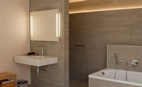 wc spiegel met led verlichting tips voor een geslaagde badkamerverlichting