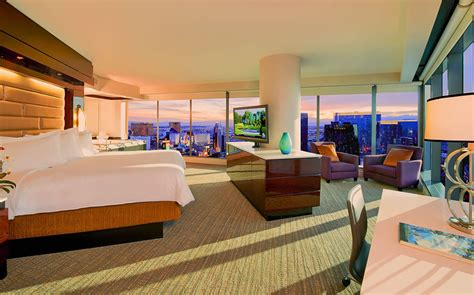 hotel suites in vegas with 3 bedrooms elara las vegas