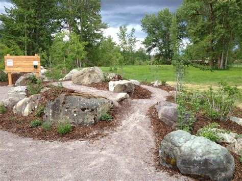 Large Garden Rocks Large Rocks For Landscaping Homesfeed