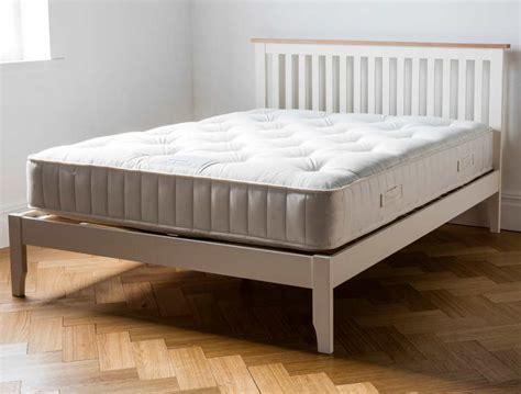 Painted Bed Frames Dreamworks Banbury Acacia Ivory Painted Bed Frame Buy At Bestpricebeds