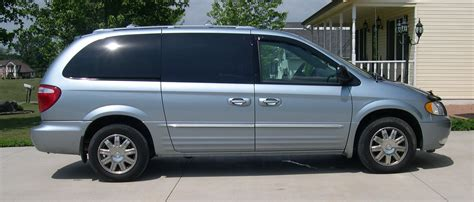 Chrysler Town And Country 2004 by 2004 Chrysler Town And Country Information And Photos