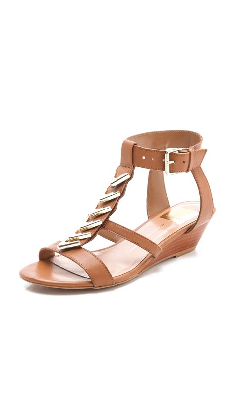 dolce vita sandal dolce vita helia low wedge sandals in beige cognac lyst