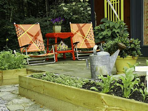 garden cottages and small sheds for your outdoor space