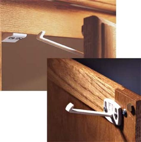 Best Kitchen Cabinet Baby Locks by Baby Proof Cabinet Locks New York City Nyc Cabinet