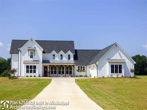 farmhouse plans modern farmhouse plan 62544dj comes to in mississippi