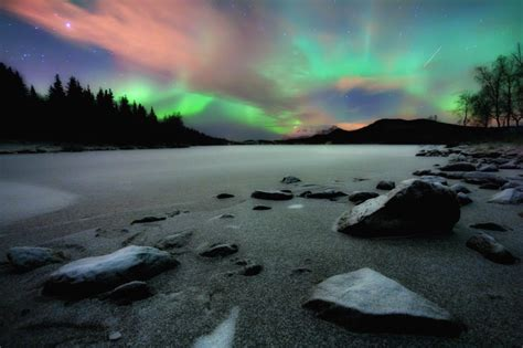 Best Places To See Lights by The Top 5 Best Places To See The Northern Lights Tnt Magazine