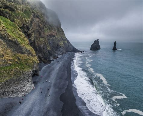 black sand beach iceland black sand beach the south coast of iceland