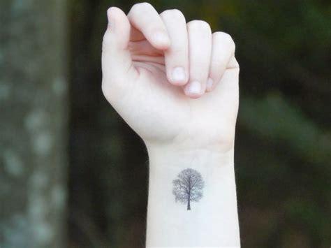 small oak tree tattoo best 25 oak tree ideas on