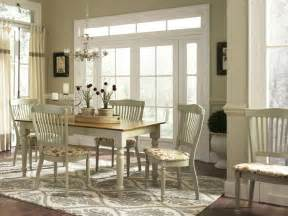 Country Dining Room Furniture Sets Rustic Dining Room With Country Style Dining Sets And Wooden Dining Table With White Legs