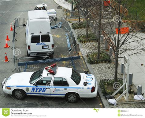 Senter S W A T numerous nypd cars providing security in world trade