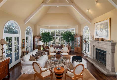 cream white room 10 spacious mansion living room ideas