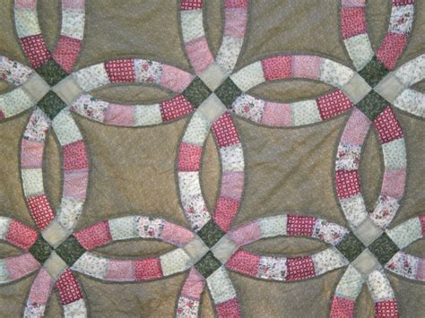 How To Make A Wedding Ring Quilt by Favorite Quilt Wedding Ring The Sassy Quilter