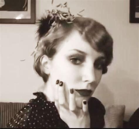 1920s gangster female hairdos 1920s fashion an original flappers guide to 1920s make up
