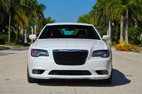 chrysler 300 srt8 pictures 2013 chrysler 300 srt8 picture 528585 car review top