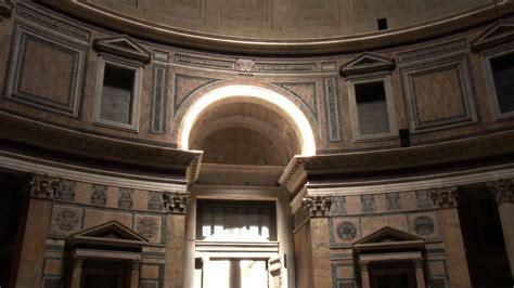 ingresso pantheon arco di luce al pantheon