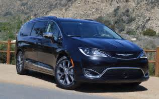 Chrysler Luxury 2017 Chrysler Pacifica When Luxury Meets Family Review