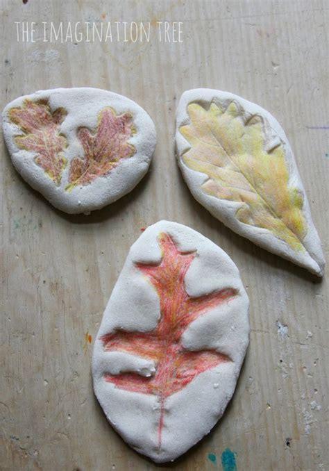 hojas secas de masa de sal manualidades infantiles 5 manualidades infantiles para recibir al oto 241 o pequeocio
