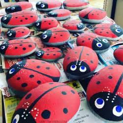 Easy Kids Crafts For Summer - stone ladybugs garden craft crafty morning
