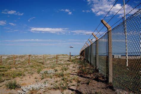 imagenes de limites naturales un viaje por las 10 fronteras m 225 s cortas del mundo blog