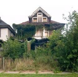 abandoned homes houses gone wild haunting photos of abandoned homes