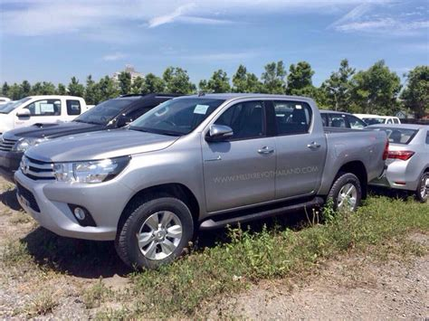 toyota official 2016 toyota hilux leaked ahead of official unveiling