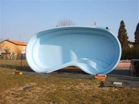 vasche da giardino in vetroresina piscine in vetroresina piscine