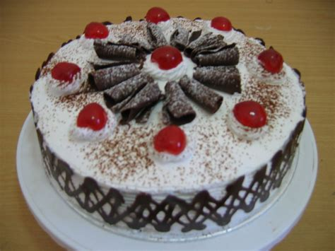 cara membuat kue bolu negro resep membuat kue tart ulang tahun black forest sendiri
