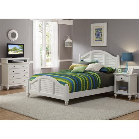 queen bedroom set white shop home styles bermuda brushed white queen bedroom set
