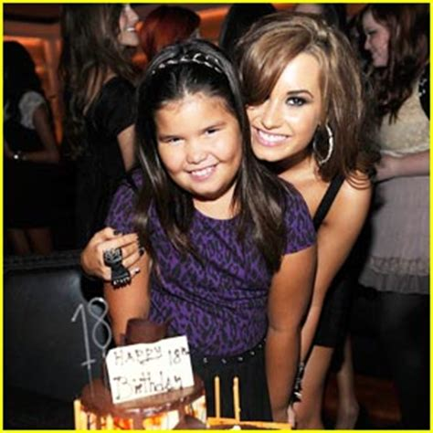 demi lovato biography family nyess nyoss deмι lovαтo and fams