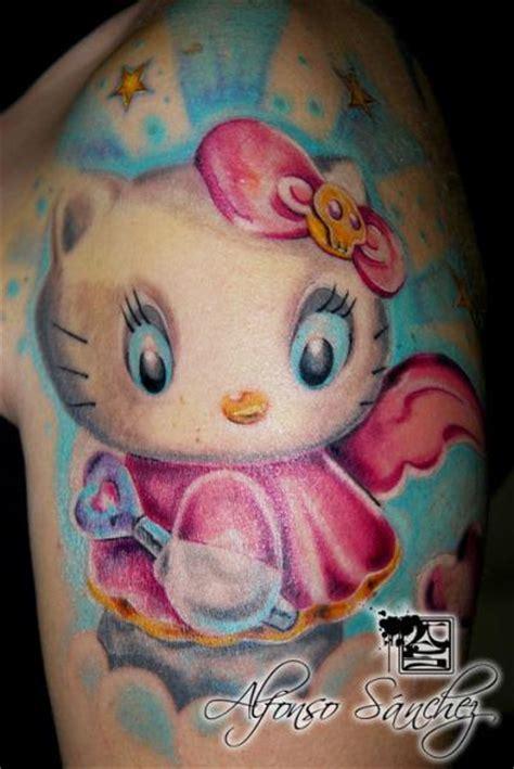 imagenes de hello kitty tatuajes tatuaje hombro hello kitty por balinese tattoo