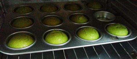 Loyang Antilengket Paket Bongpas Mix es n ef cooking pandan with cheesy frosting instant mix available rm10
