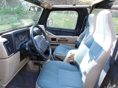 Jeep Wrangler 2002 Interior by 2002 Jeep Wrangler Interior Pictures Cargurus