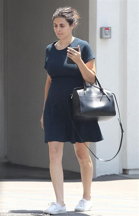 jamie lynn sigler young jamie lynn sigler displays baby bump in lbd while in la